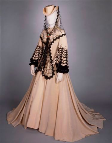 "Civil War (1861-1865) Costume designed by Walter Plunkett for Vivien Leigh for the 1939 movie ""Gone with the Wind"""