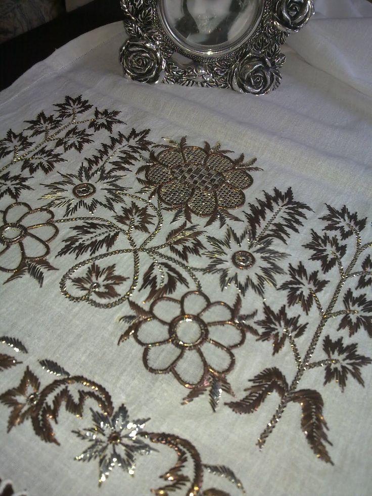 Bu örtünün manevi değeri benim için gerçekten çok büyük. Canım anneannem bu kumaşı elleriyle dokumuş, onun bendeki değerini gösterebilm...