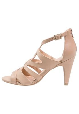 Sandały na obcasie - beige