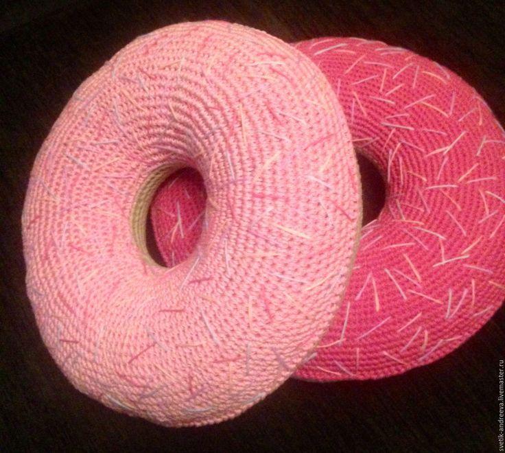 Купить Подушка-пончик 4000 - комбинированный, Вязание крючком, необычное украшение, для дома и интерьера