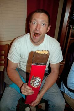 the perspective of a palindromic mind: How to Make a Giant Kit Kat Bar