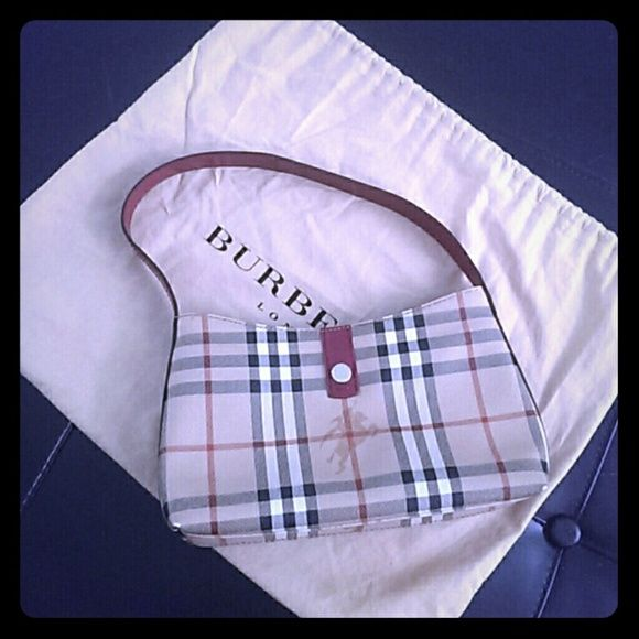 Burberry Bags - Small Burberry purse
