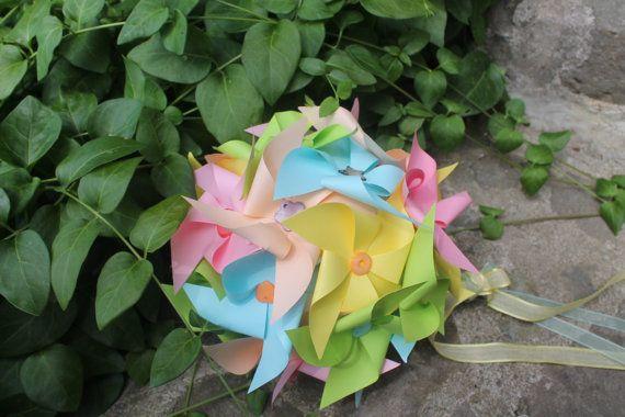 Bouquet da sposa con girandole in carta dai di LacasadiTania, €48.00