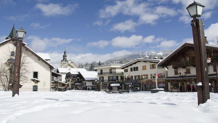Situé à quelques kilomètres de Megève et des 200 km de pistes du domaine skiable de l'Espace Diamant, les Balcons du Mont-Blanc en Savoie est le seul village vacances en France à disposer en hiver de ses propres remontées mécaniques. Avec l'arrivée des beaux jours, l'établissement propose dans un...