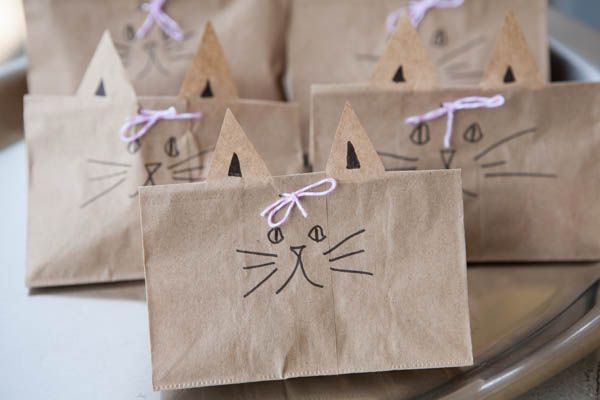 Cat Party Favor Bag | Nearly Crafty | http://nearlycrafty.com/cat-party-favor-bag/