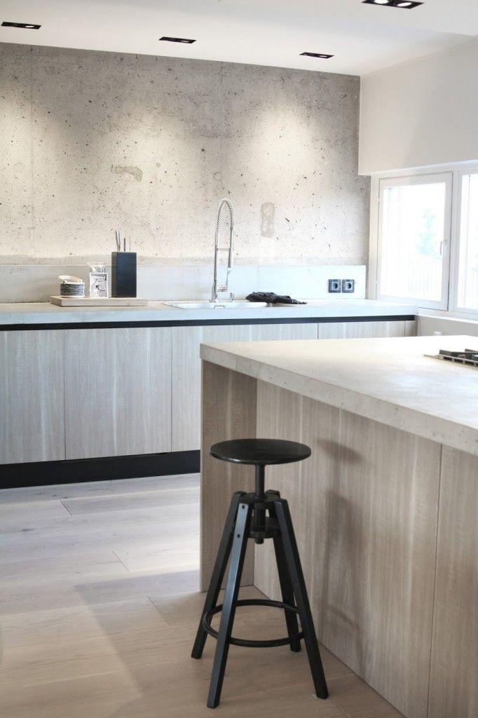 TILAA JA VALOA REMONTILLA - Meillä Kotona -blogit  kitchen wood plank flooring nordic scandinavian design style grey wooden