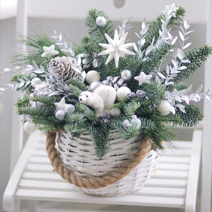 Композиция рождественская звезда#Christma star#christmas #decor #decoration #snow #newyear #flowers #flora #florist #цветыминск #lathyruslavka