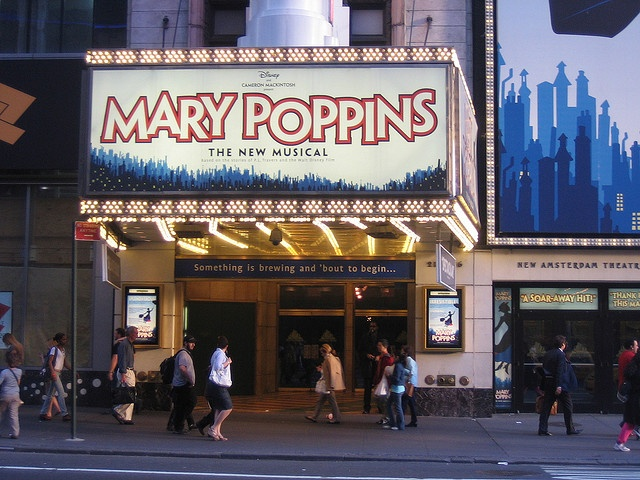 MARY POPPINS (applause-tickets.com)
