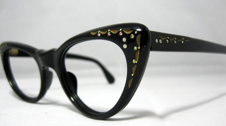 Vintage Cat Eye Glasses.---Just ordered a pair of these today CANT WAIT to get them!