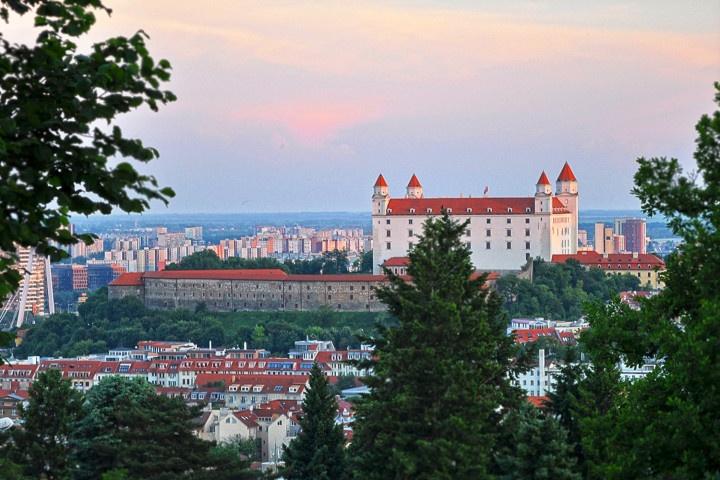 Slovakia, Bratislava castle, view from Slavin.
