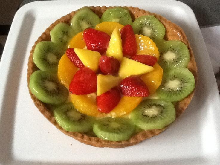 """La torta per il compleanno del """"capra storta""""...crostata di frutta fresca (kiwi, arancia, fragole, mango)"""