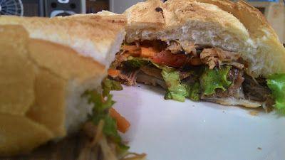 Crispirinha: Quem resiste a um sanduichão?Esse de lagarto desfiado é dos deuses!!!