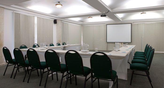 Salón Cristobal Colón. Un espacio cómodo y elegante para tus reuniones corporativas. #ElHoteldeLasEstrellas.