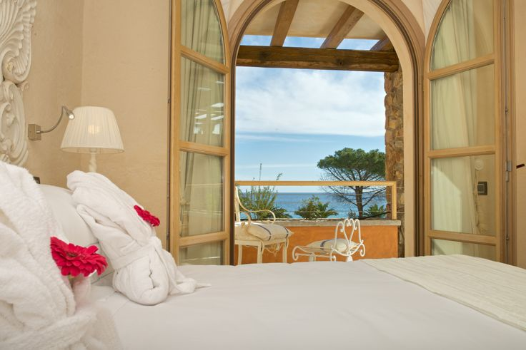 #Classic #Room  with double or twin bed.  The Hotel La Villa del Re is located in Località su Cannisoni, Castiadas, #CostaRei #Sardegna  Soft Opening scheduled on June 13th, 2014 www.lavilladelre.com