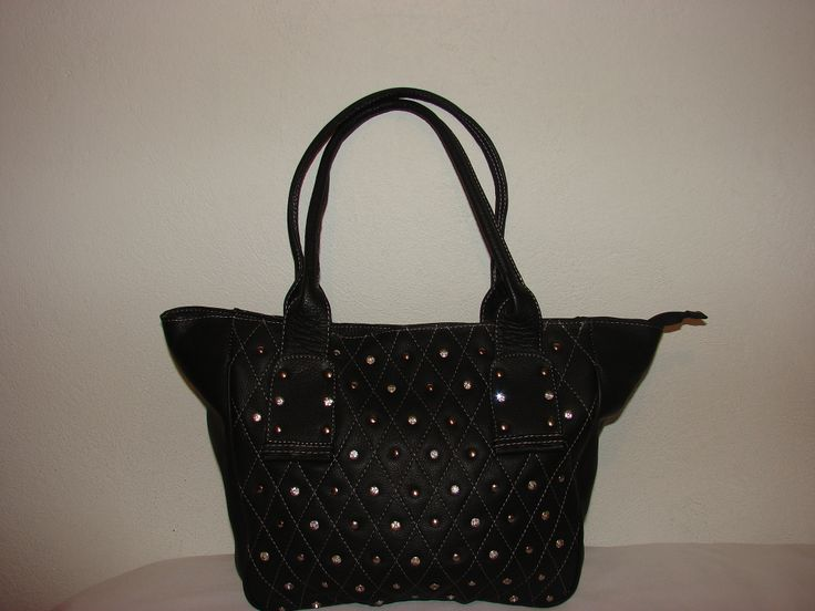 Sudded black purse