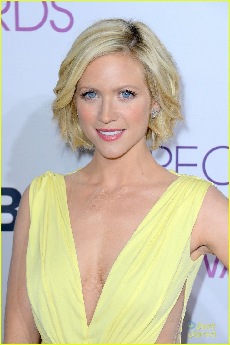 brittany snow. Love the cut.