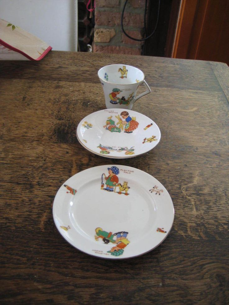 COLCLOUGH CHINA NURSERY WARE TRIO CUP SAUCER SIDE PLATE