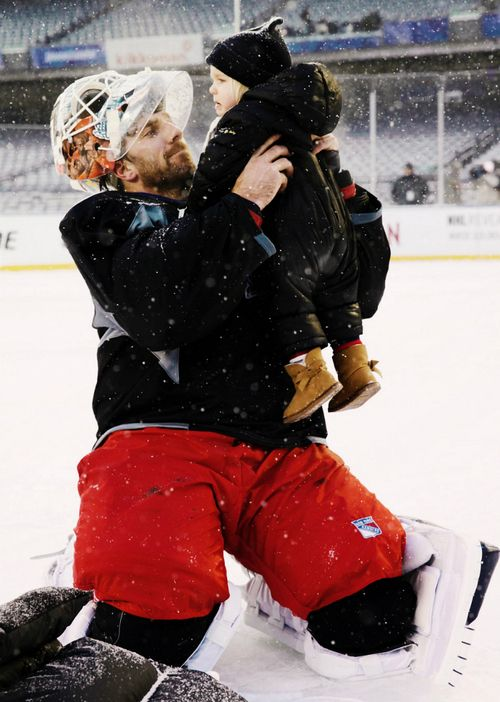 Henrik Lundqvist, New York Rangers (wintermonthnovelty / Tumblr)