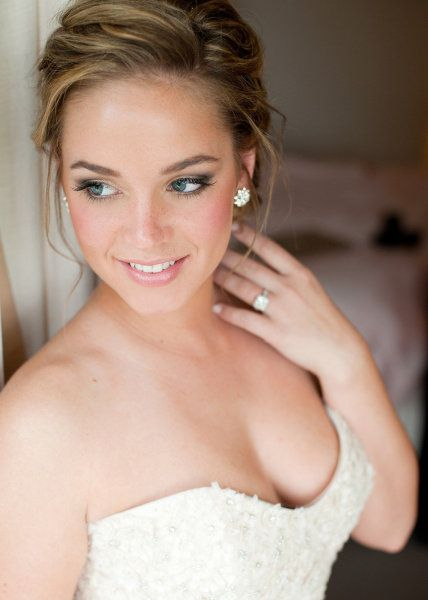 Elegant Wedding Hair And Makeup : pretty bridal makeup. Maybe a little heavier, but I love ...