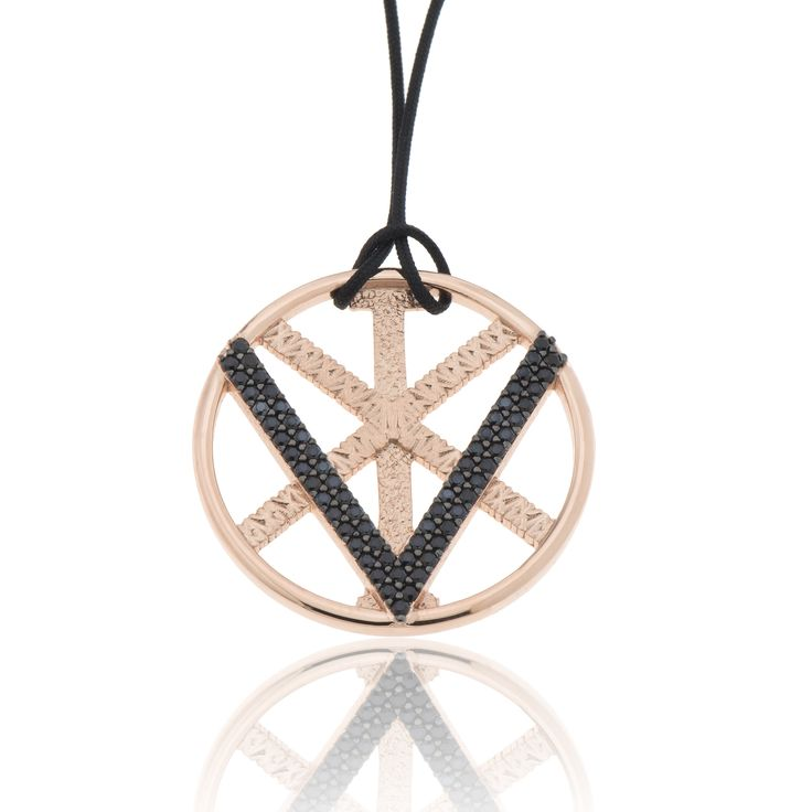 2016 Rose gold plated sterling silver charm with cubic zirgonia and a cord.  Dimensions: 33 Χ 33 mm. Γούρι 2016 παντατίφ σε ασήμι 925 επιχρυσωμένο ροζ με μαύρες πέτρες σε κορδόνι.  Διαστάσεις : 33 Χ 33 mm.