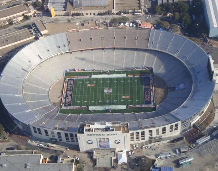 The Cotton Bowl Stadium Is An Outdoor Stadium Situated In Dallas Texas In The United States From 1930 To 1936 The Stadium In 2020 Cotton Bowl America Travel Dallas