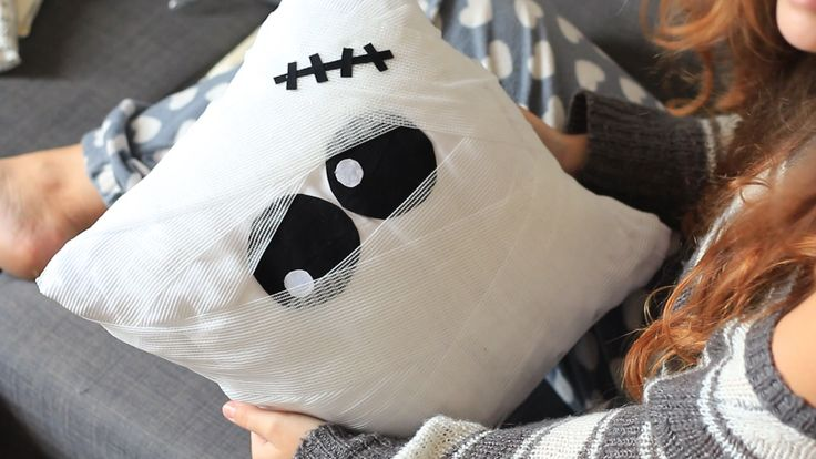 Halloween home decor, pillow mummy, diy, easy, cute, idea