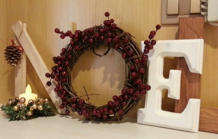 Saw this beautiful idea at The Happy Scraps and decided to get crafty this Xmas too!
