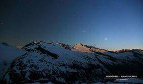 Sternenklare Nacht beim Aufstieg zum Großvenediger (Obersulzbachtal, Nationalpark Hohe Tauern, Neukirchen am Großvenediger, Salzburgerland) Blick zur Schlieferspitze und Sonntagskopf