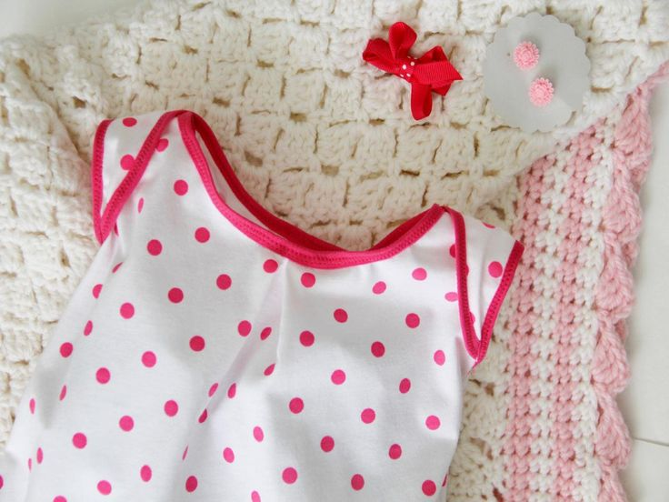 Now you can sew an easy, comfortable dress for the newborn in your life with this free sewing pattern. The perfect baby shower gift, this quick and easy knit baby dress will be your new go-to gift for all special baby occasions.