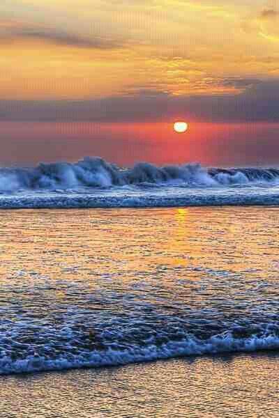 El poder del mar está en cada ola.