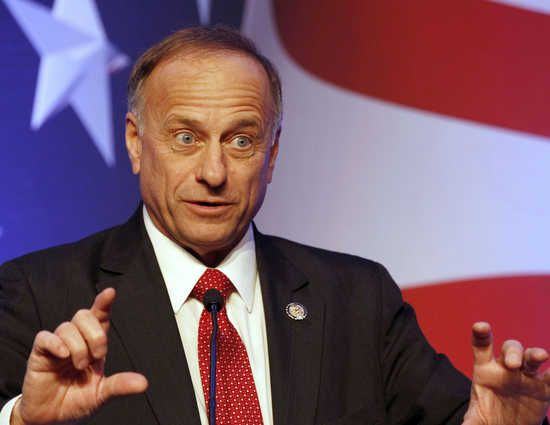 Steve King manages to attack Obama for birth control, rape and refugee crisis in just one sentence