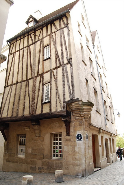 House of 16th century,2, rue des Barres,4ème. Quartier Saint-Gervais - Paris