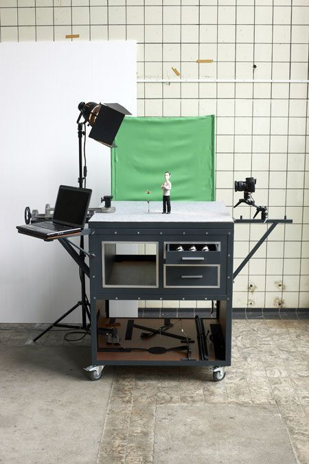 The Motion Cabinet by Niels Hoebers is a practical and mobile stage, especially designed for stop motion animations.