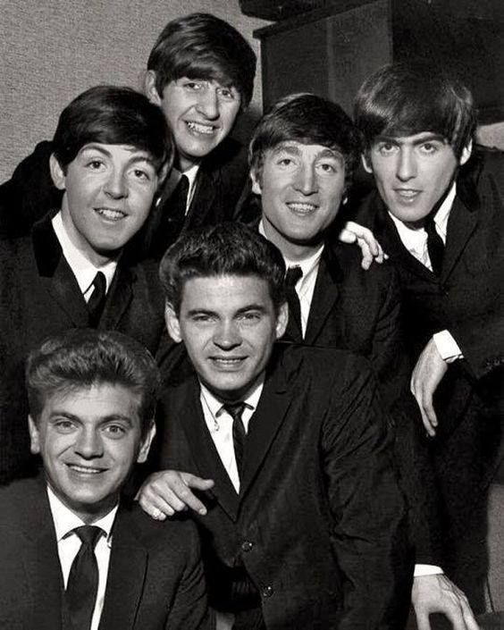 The Beatles posing with two of their all time greatest heroes. Don and Phil,The Everly Brothers.