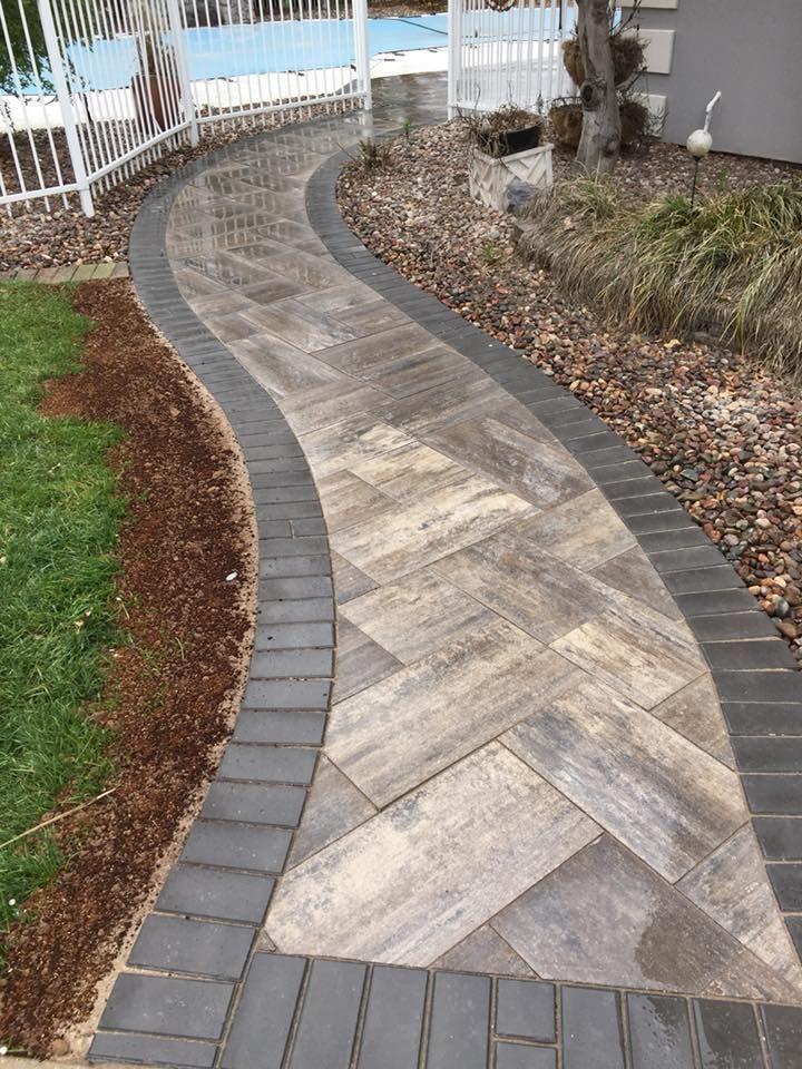 Gorgeous walkway  Paver Patios in 2019  Garten ideen Garten Gartengestaltung