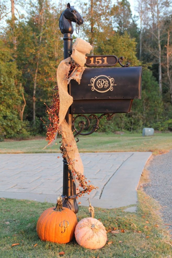 25+ unique Mailbox decorating ideas on Pinterest | Fall mailbox ...