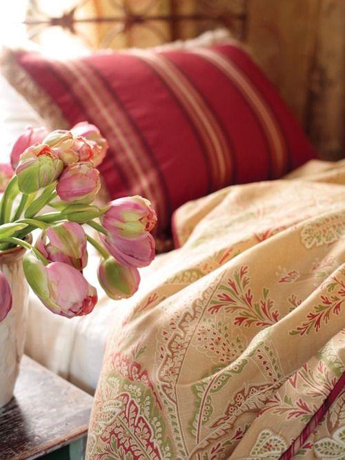 Весенний интерьер спальни: 6 идей