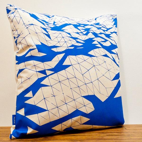 Bright blue + geometric pattern? Perfect match!