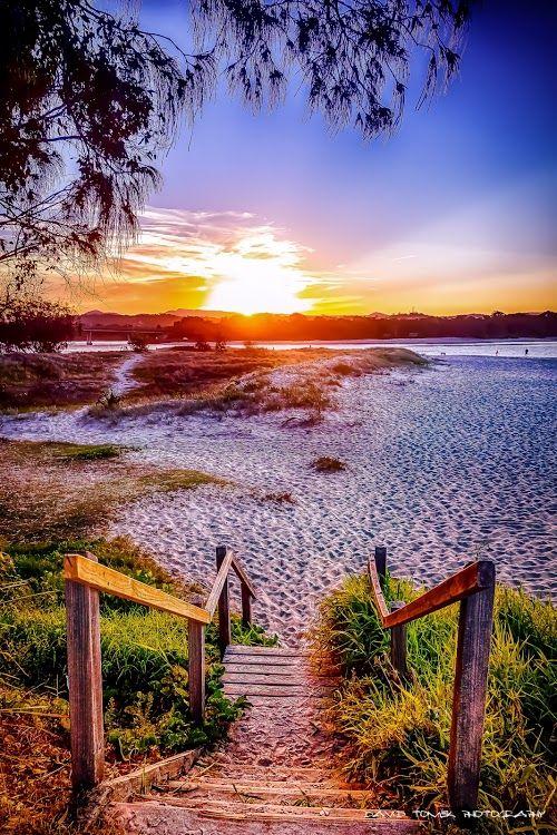 Currumbin, Gold Coast - Australia by Dave Tomek