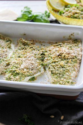 Recept voor gepaneerde pesto witvis met kruidige quinoa salade | It's a Food Life