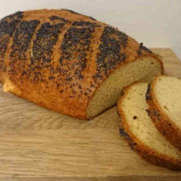 Underbart enkel och snabblagad LCHF bröd. Detta recept på LCHF franska är värt att prova, till både vardag och festliga tillfällen