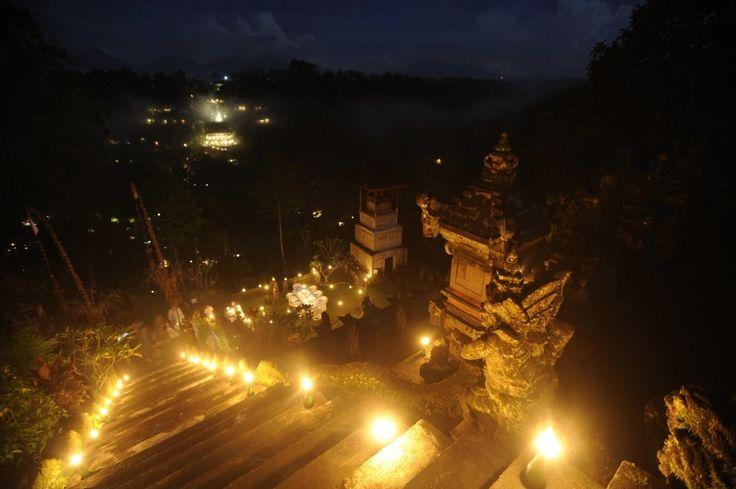 Romantic Dinner At Temple