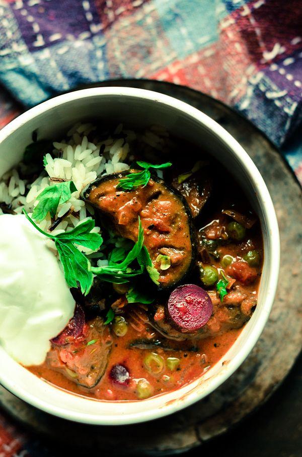 Z cyklu poznajemy smaki wschodu: Pomidorowo- kokosowe curry z pieczonym bakłażanem i botwinką