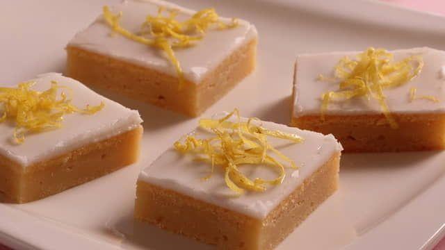 Medový koláč s citrónovou polevou