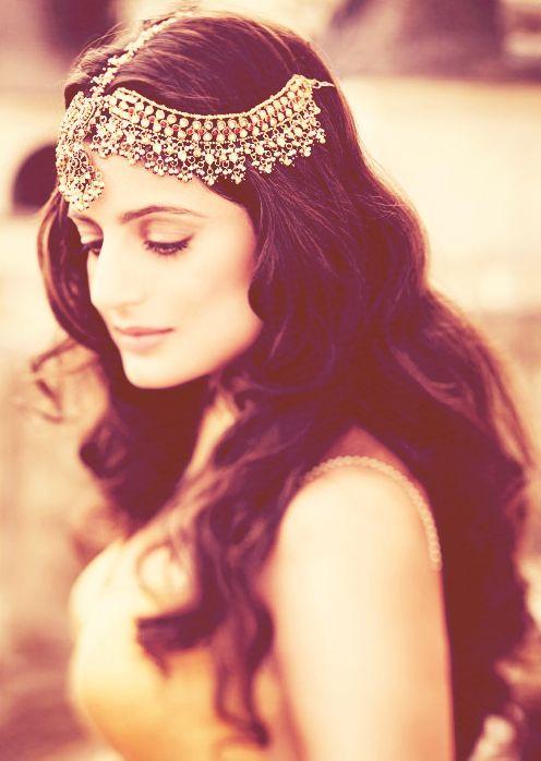 Qué os parece el accesorio de pelo de esta #novia?