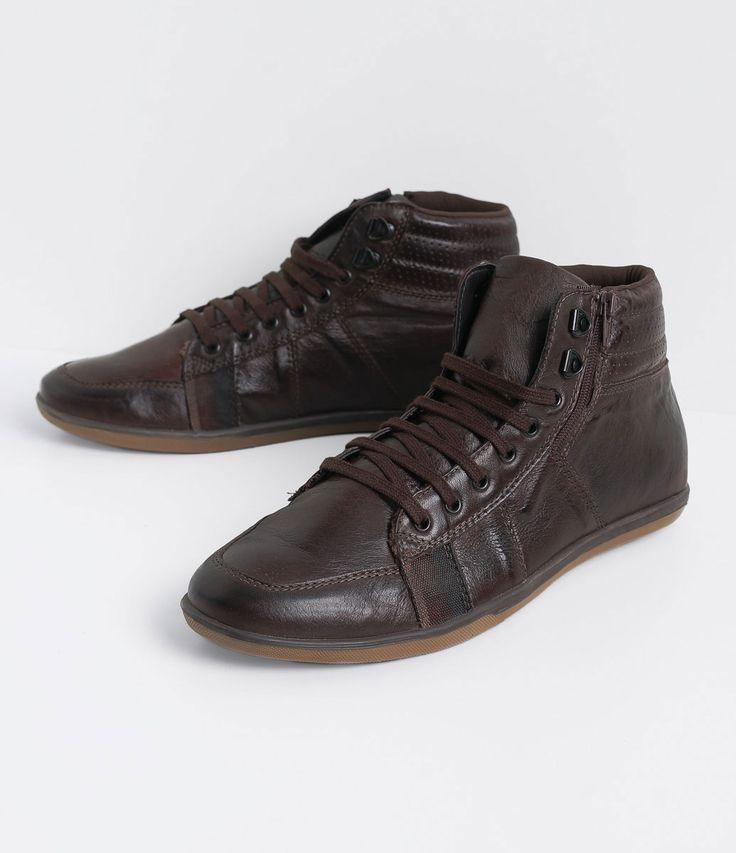 Sapatênis masculino  Material: couro  Cano alto  Com zíper  Marca: Satinato Genuine       COLEÇÃO INVERNO 2016     Veja outras opções de    sapatênis masculino.