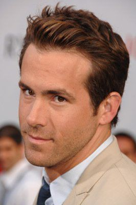 Ryan Reynolds at event of The Proposal