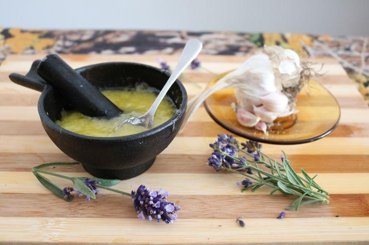 Aïoli  (FR) Sauce originale à l'ail cru  (EN) Original raw garlic sauce  (ITA) Salsa cruda originale all'aglio