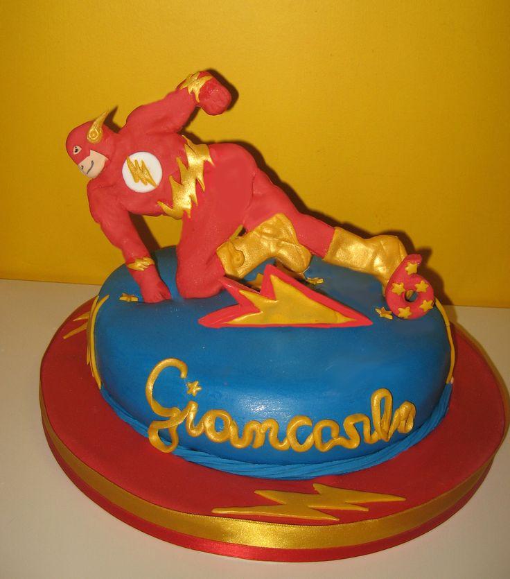 flash superheroe cake