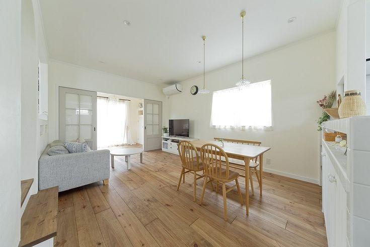 あたたかいサンルームで暮らしを楽しむ、しっくい壁のフレンチシックな ... 20畳の広々LDK